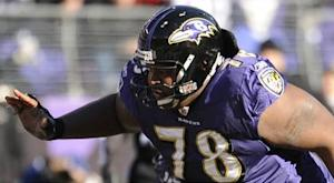 Ravens, OLT McKinnie agree to restructured contract