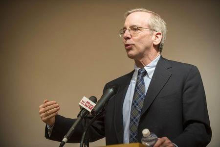 Fed's Dudley: Risk of raising rates too soon higher than waiting longer