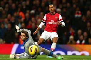 Wenger: Walcott belongs at Arsenal