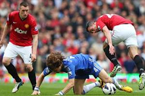 Manchester United 0-1 Chelsea: Late Mata strike gives Blues top four advantage