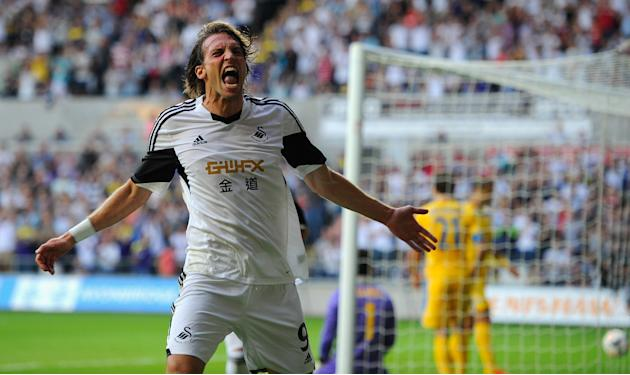 Swansea City v FC Petrolul Ploiesti - UEFA Europa League Play-Offs: First Leg
