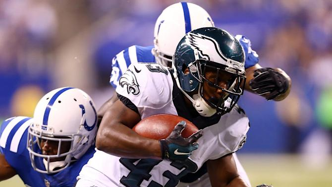 Darren Sproles of the Philadelphia Eagles runs for a touchdown in the third quarter against the Indianapolis Colts during their game at Lucas Oil Stadium in Indianapolis, Indiana, on September 15, 2014