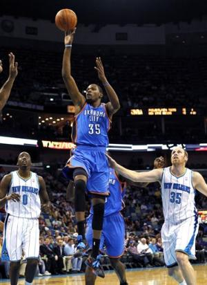 Durant leads Thunder over Hornets, 95-85
