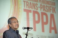 Activists want Mahathir, Anwar to share stage to protest TPPA