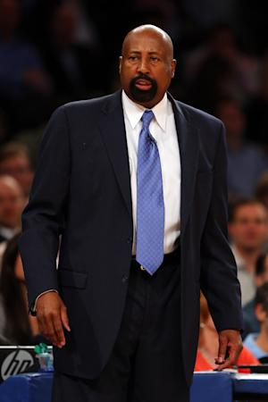 Knicks pick up 2014-15 option on Woodson's deal