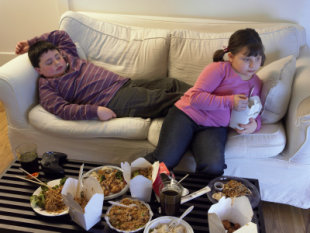 0708_Kids_eating_on_couch_vg.jpg