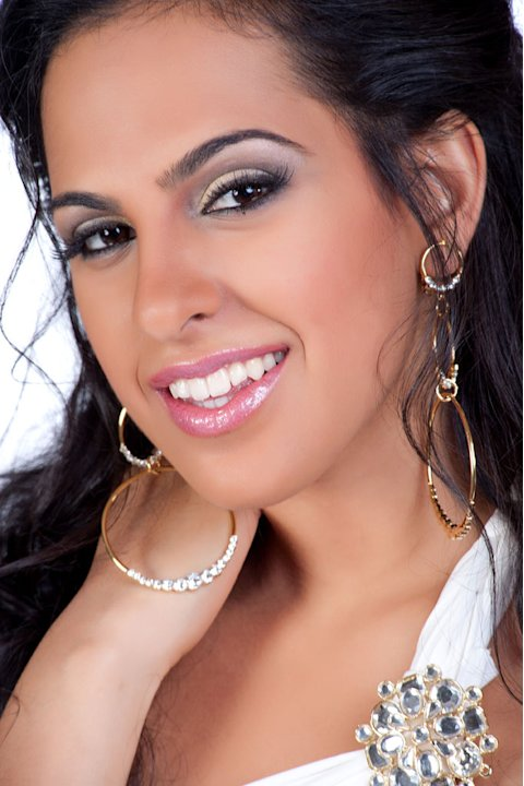 "Miss Sri Lanka 2011, Stephanie Siriwardhana, competes for the title of Miss Universe 2011 during the ""60th Annual Miss Universe"" competition from São Paulo, Brazil."