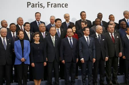 World leaders launch bid for climate breakthrough in Paris