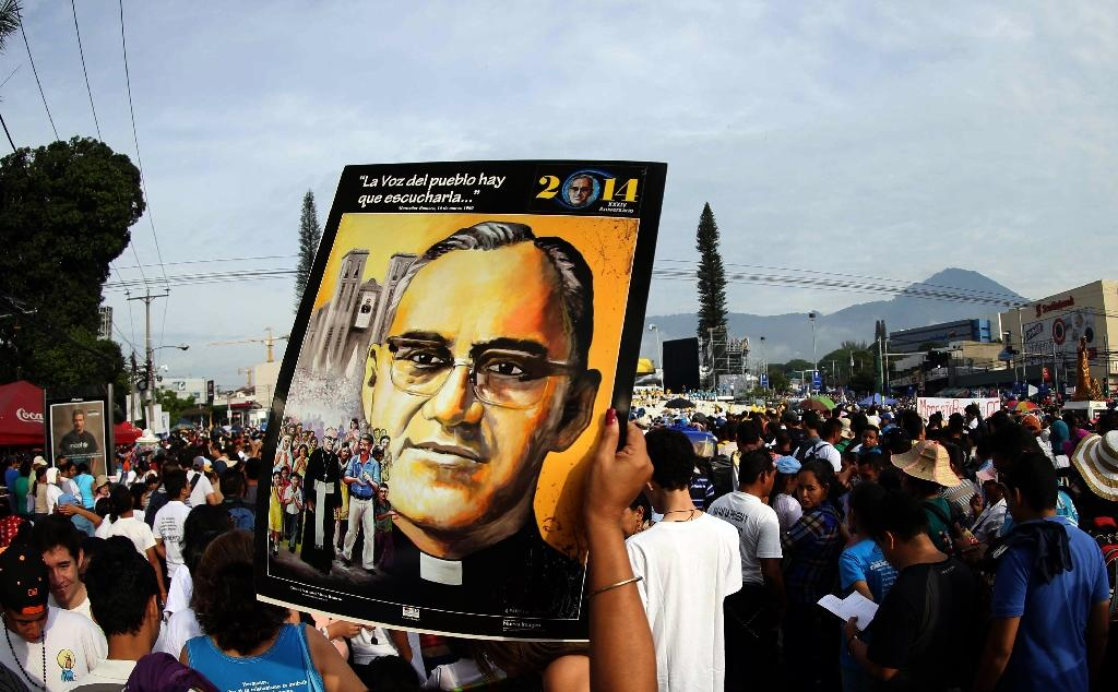 Thousands rejoice as El Salvador's Romero beatified