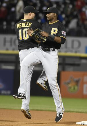 Locke, Kang lead Pirates to 3-2 win over White Sox