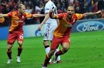 Galatasaray 1-0 Manchester United: Burak header defeats youthful United