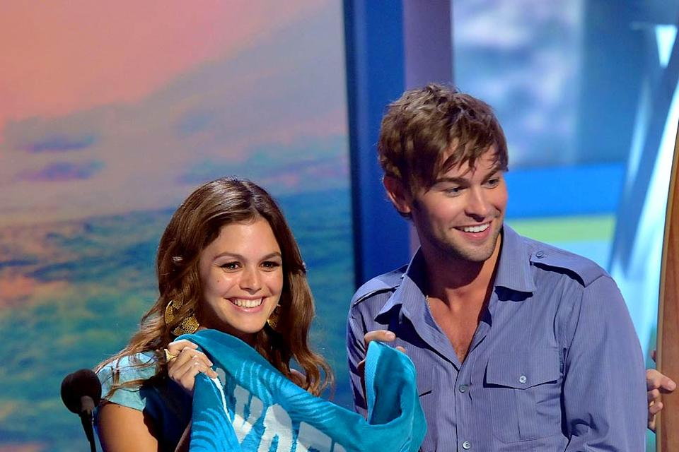 Actors Rachel Bilson and Chace Crawford onstage during the 2008 Teen Choice Awards at Gibson Amphitheater on August 3, 2008 in Los Angeles, California.
