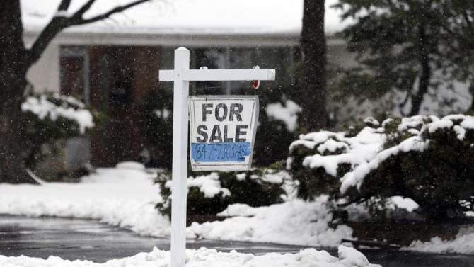 US rate on 30-year mortgage ticks up to 3.52 pct.