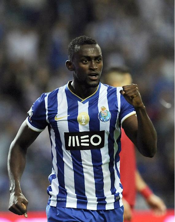 FC Porto's Jackson Martinez, from Colombia, celebrates scoring his team's second goal against Gil Vicente in a Portuguese League soccer match at the Dragao stadium in Porto, Portugal, Saturday Sept. 1