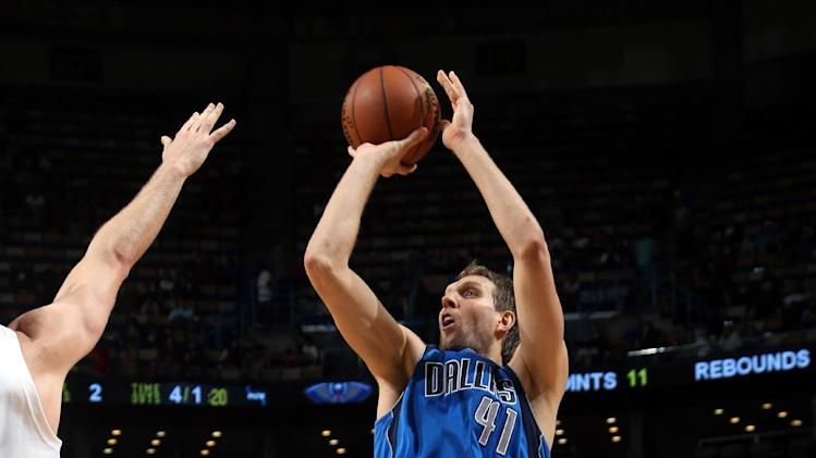 Nowitzki carries Mavs past Pelicans 100-97