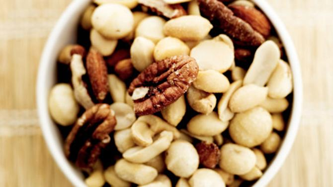 mixed nuts 768
