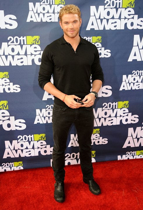 2011 MTV Movie Awards Kellan Lutz