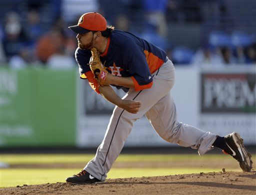 Niese pitches into 5th, Mets beat Astros