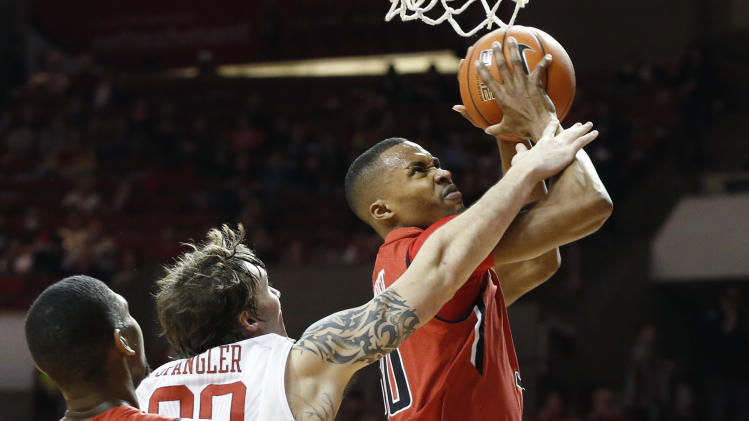 Texas Tech knocks off Oklahoma 68-60