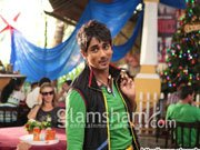 CHASHME BUDDOOR: Siddharth gears up for first comedy in Bollywood