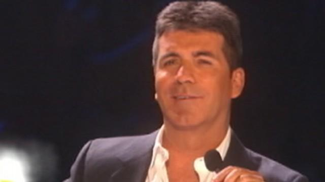 Simon Cowell Saves 9 People From Sinking Boat