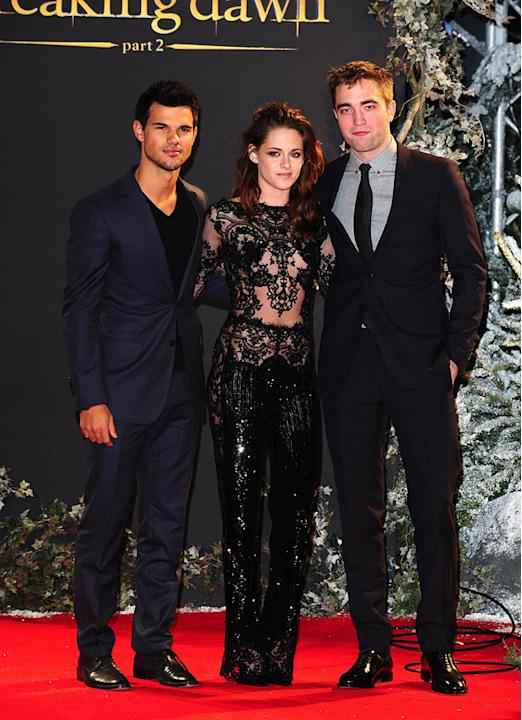 Twilight: Breaking Dawn Part 2 UK premiere. The Twilight cast together again.