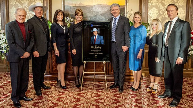"""Dallas"" veterans Ken Kersheval, Steve Kanaly, Deborah Shelton, Linda Gray, Patrick Duffy, Cathy Podewell, Charlene Tilton and Ted Shackelford pose for a portrait."