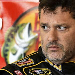 NASCAR star Tony Stewart to compete for first time since crash