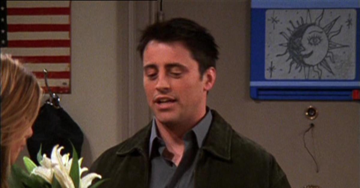 12 Insane Mistakes You Never Noticed in Friends