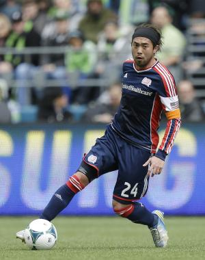Revolution beats Earthquakes 2-1 for 1st win