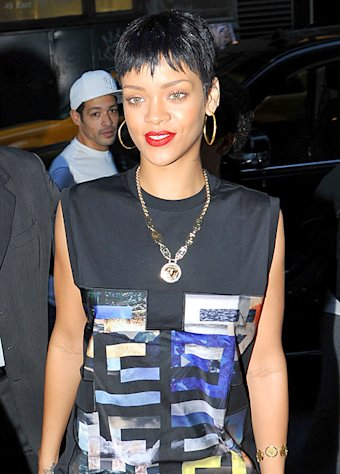 Rihanna to release $250 special edition of Unapologetic album