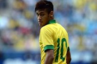 Neymar criticism is unfair, insists Scolari