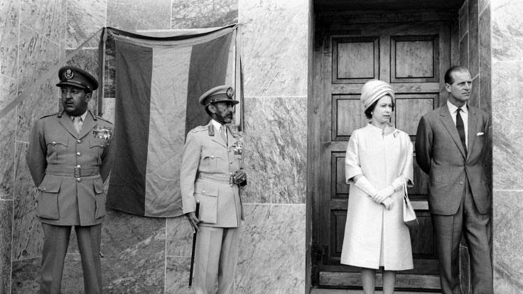 LIFE's rare photos of Queen Elizabeth II