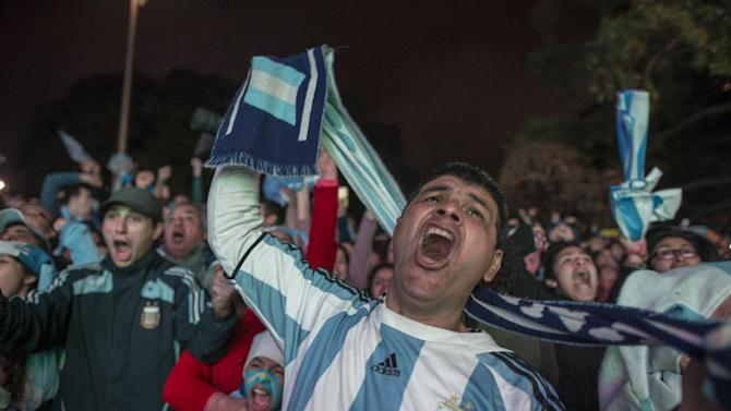 Despite woes, Argentines united in World Cup run
