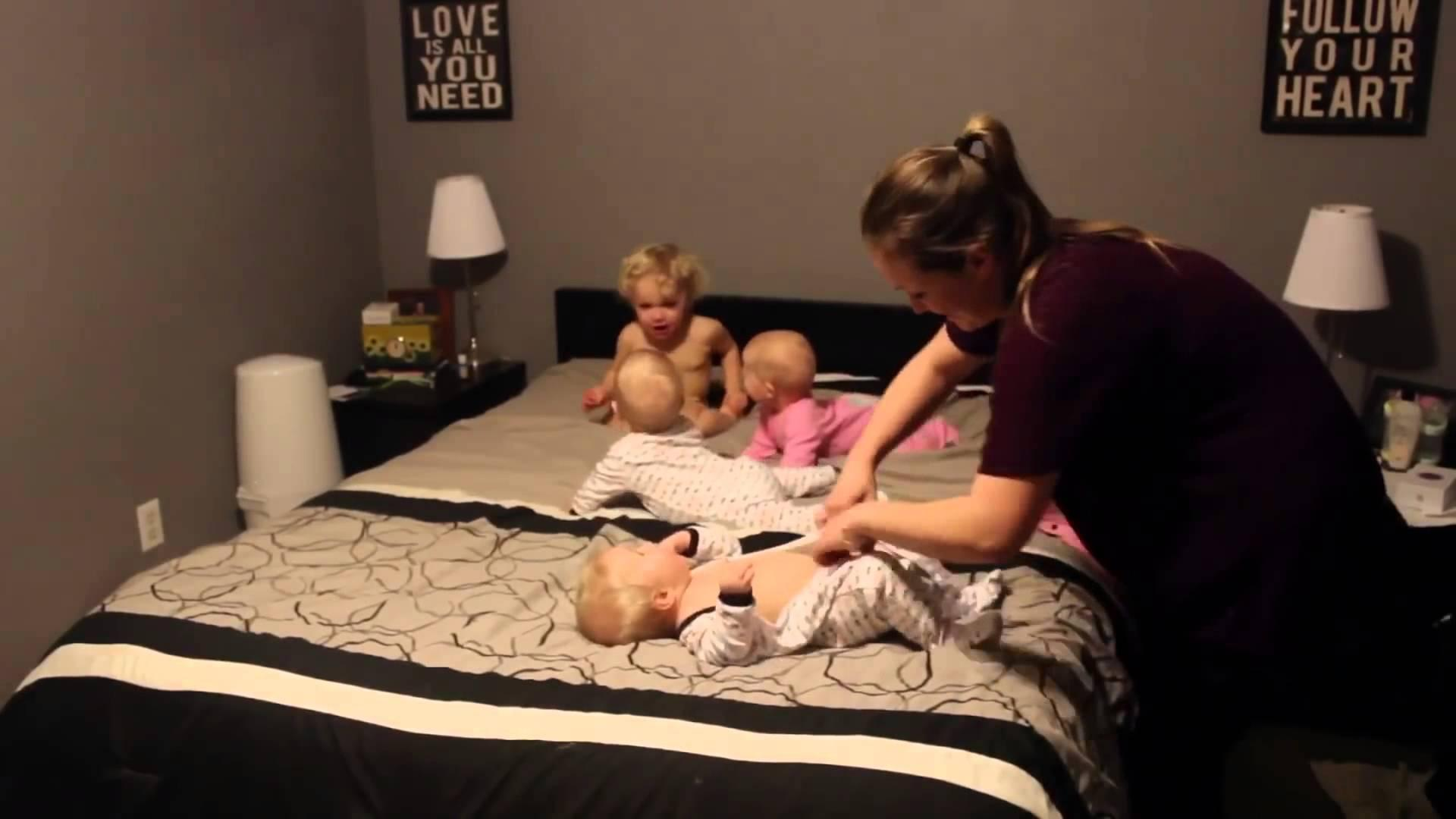 Time-Lapse Video of Mom With Triplets and Toddler at Bedtime Is Mesmerizing