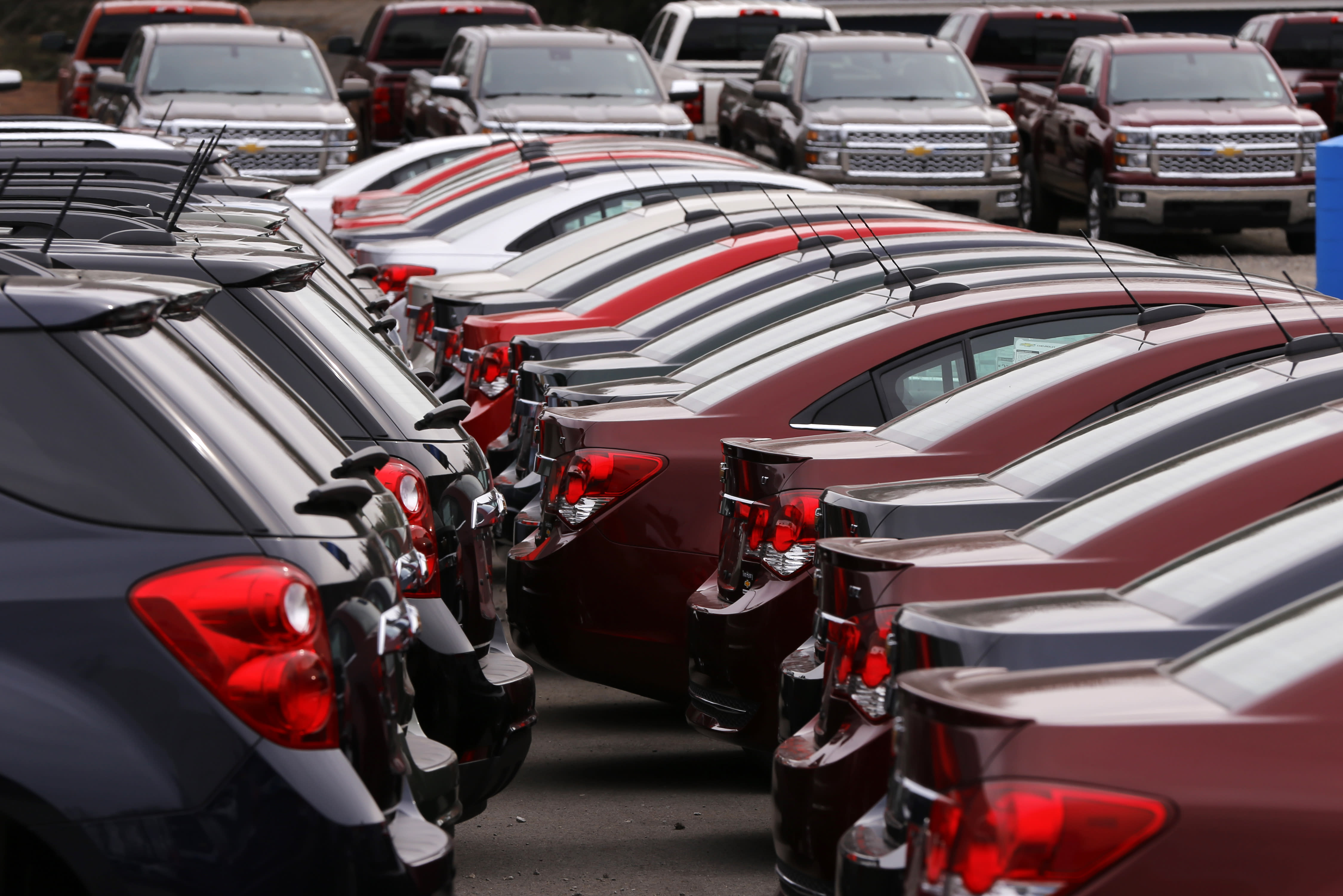 US auto sales tap the brakes in March, but outlook strong