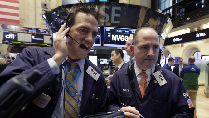US stocks lower, setting up 3rd day of declines
