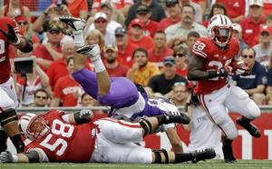 No. 12 Wisconsin survive N Iowa scare, win 26-21
