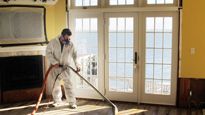 A living, lurking threat in Sandy-hit homes: mold