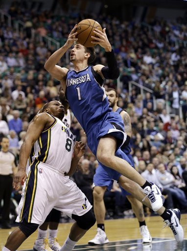 Hayward's 17 lift Jazz over T-Wolves 106-84