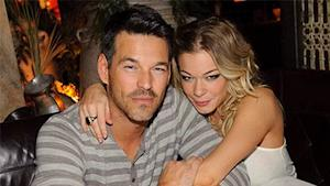 LeAnn Rimes Enters Treatment Facility