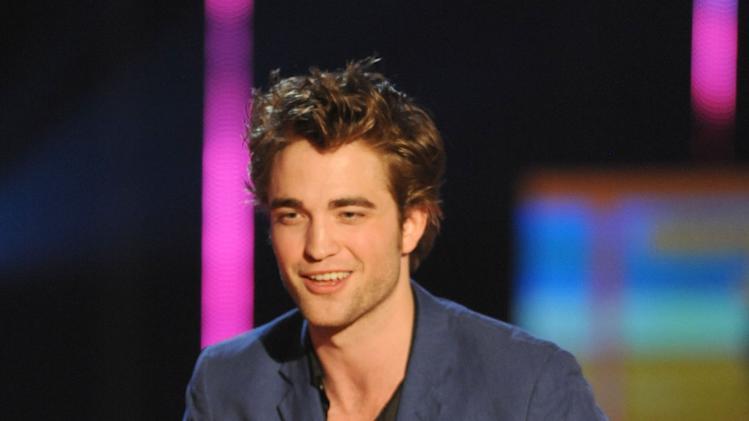 Robert Pattinson onstage during the 2009 MTV Movie Awards held at the Gibson Amphitheatre on May 31, 2009 in Universal City, California.