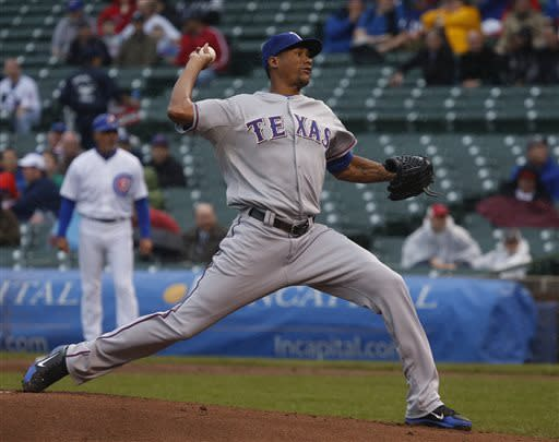 Soriano, Rizzo homer, Cubs beat Rangers 6-2