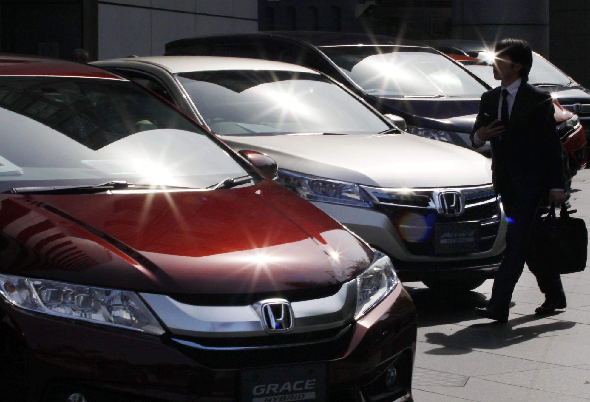 Honda's profit drops on air bag recall woes despite weak yen