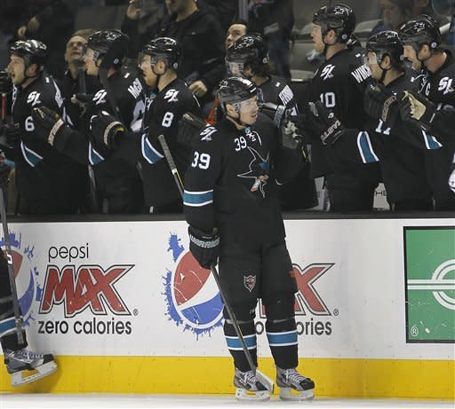 Clowe, Sharks beat Kings 2-1 in shootout
