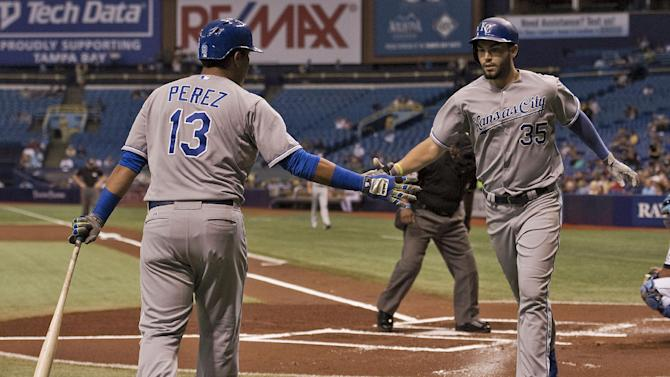 Perez hits 3-run HR in 9th, Royals beat Rays 5-4