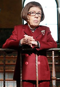 Linda Hunt | Photo Credits: …