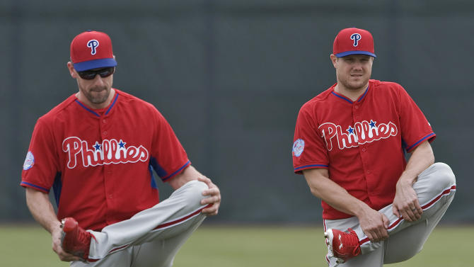 Lee pitches 2 easy innings in Phillies' 6-3 loss to Astros