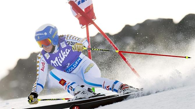 JCB098. Soelden (Austria), 25/10/2014.- Maria Pietlae-Holmner of Sweden in action during the first run of the women's Giant Slalom race for the FIS Alpine Skiing World Cup on the Rettenbach glacier, in Soelden, Austria, 25 October 2014. (Suecia) EFE/EPA/JEAN-CHRISTOPHE BOTT