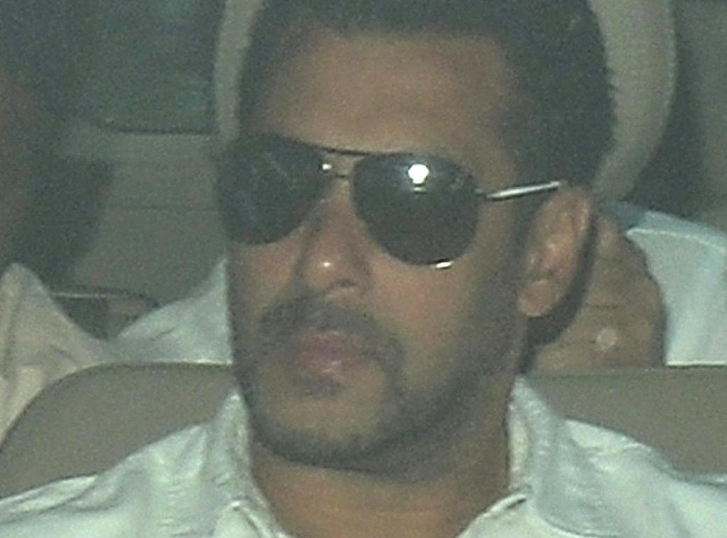 Bollywood's Khan sentenced to 5 years in jail for hit-and-run